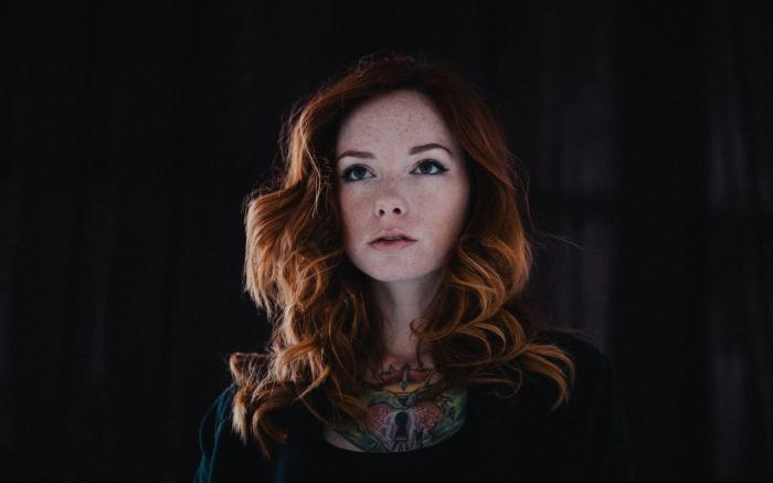 hattie_watson_model_photoshoot_red_haired_tattoo_103386_3840x2400